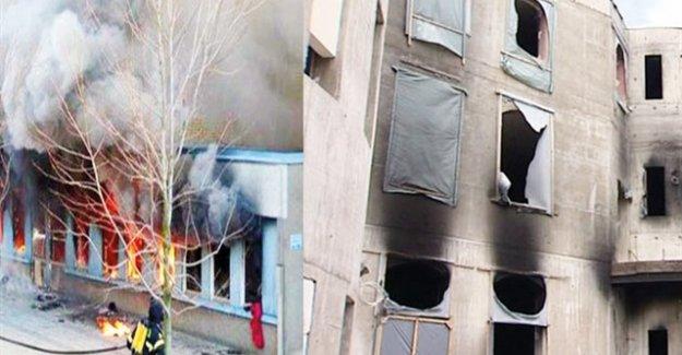 137 camiye ırkçı saldırı
