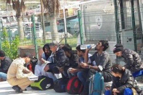 AB bir yılda sadece 4 bin 884 mülteci aldı