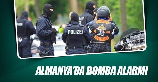 Almanya'da bomba alarmı