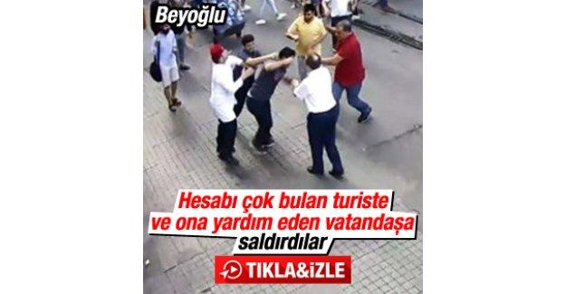 Beyoğlu'nda esnaf hesabı fazla bulan turiste saldırdı