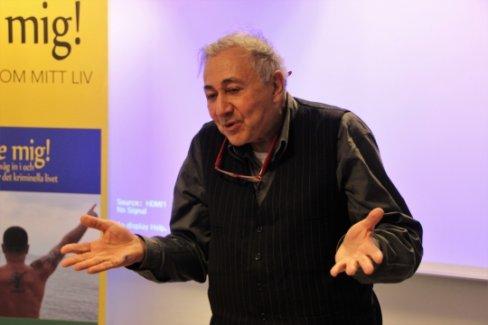 Cem Yılmaz'a dava açan Kural, Stockholm'de konferans verdi