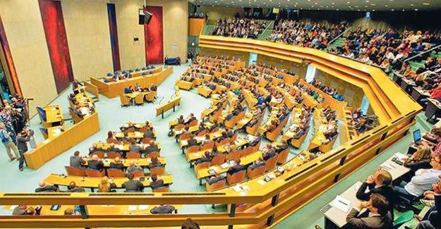 Hollanda'daki Türkiye Kökenli İnsanlarımız Siyasal Temsil Krizine Sürüklenmemeli