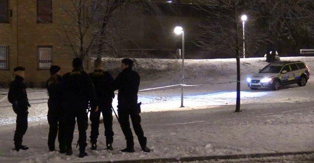 Husby'de kavga iki kişi bıçaklandı