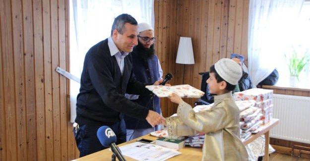 İsveç İslam Federasyonu Müslüman Çocukları Ödüllendirdi