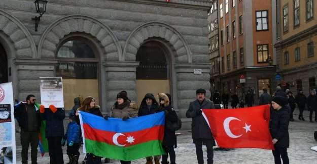 İsveç Parlamentosu Önünde ''Hocalı Katliamı'' Protesto Edildi