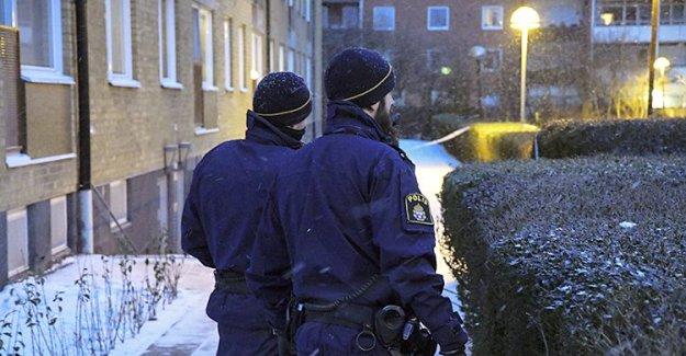İsveç'te 15 yaşındaki genç cinayete teşebbüsten tutuklandı