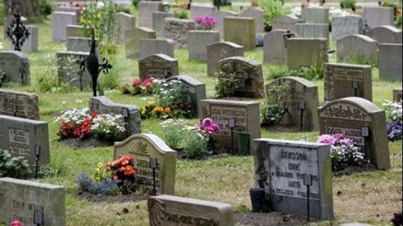 İsveç'te Hırsızlar Mezarlıklara Dadandı
