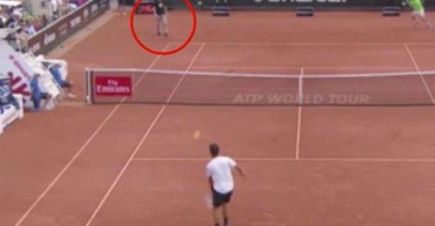 İsveç'te Tenis Maçında Nazi Eylemi