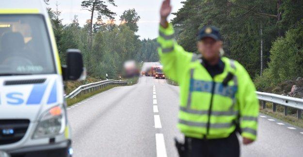 İsveç'te tır ile otomobil çarpıştı: 3 ölü