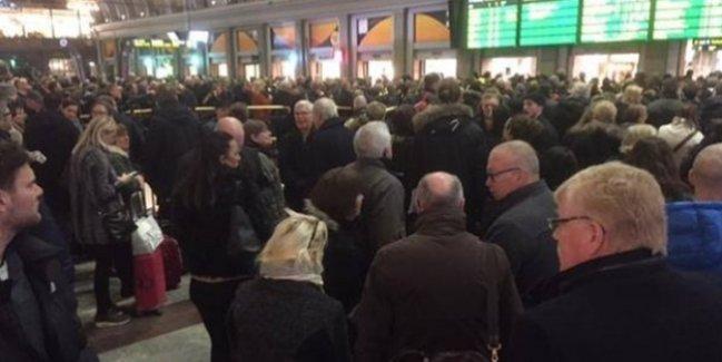 İsveç'te tren istasyonunda bomba alarmı!