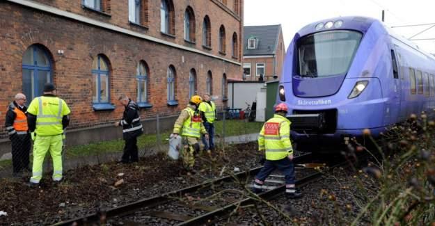 İsveç'te trenin altında kalan iki kişi öldü