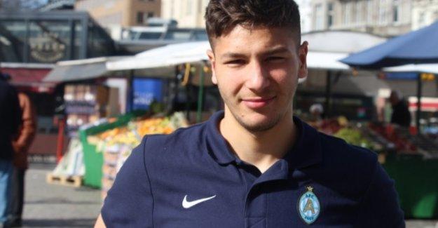 İsveçli oyuncu Termanini Beşiktaş için İstanbul'a geldiğini açıkladı
