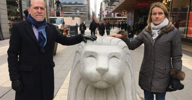 İsveçlileri aslan heykeller terör saldırısından koruyacak