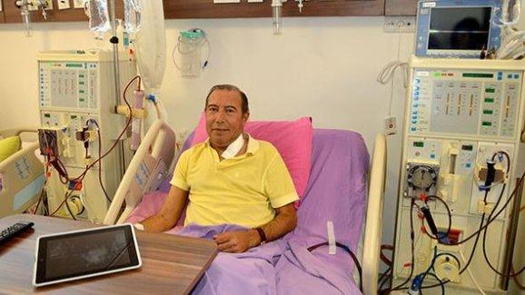 İsveç'teki ameliyatta içinde unutulan parçalar Türk doktor sayesinde kurtuldu