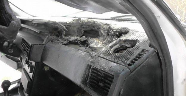 Kulu'da araç içinde cep telefonu patladı