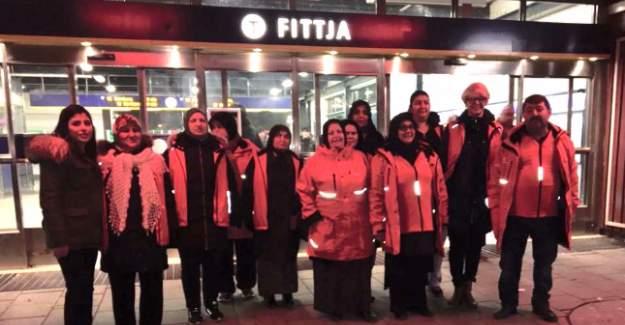 Milletvekili Fittja'da Türk Annelerle Güvenlik İçin Yürüdü