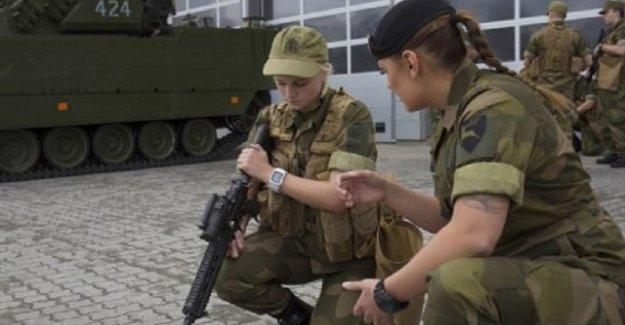 Norveç'te kadınlara zorunlu askerlik