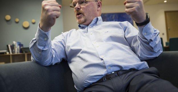 Norveç'te sığınmacıya yumruk atan siyasetçi bakan oldu