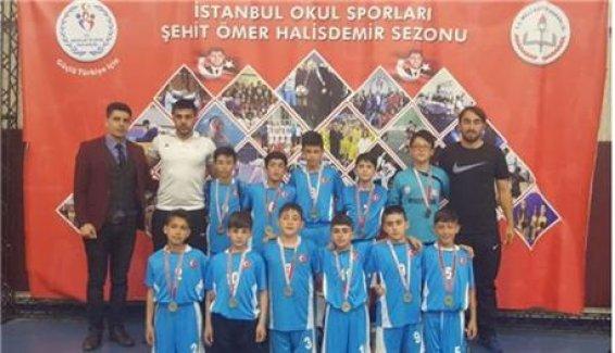 Ömer Halisdemir sezonuna Türk-İsveç Kardeşlik Okulu damgası