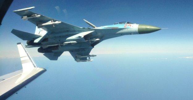 """Rus jetleri İsveç savaş uçağını taciz etti"""