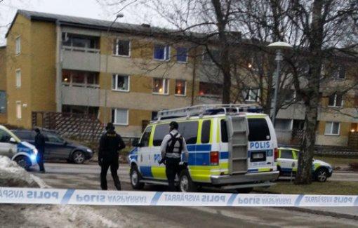 Skärholmen'de iki kişi vuruldu