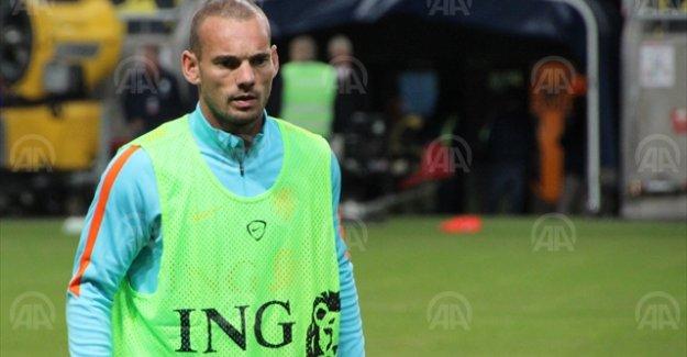 Sneijder'li Hollanda, İsveç'te