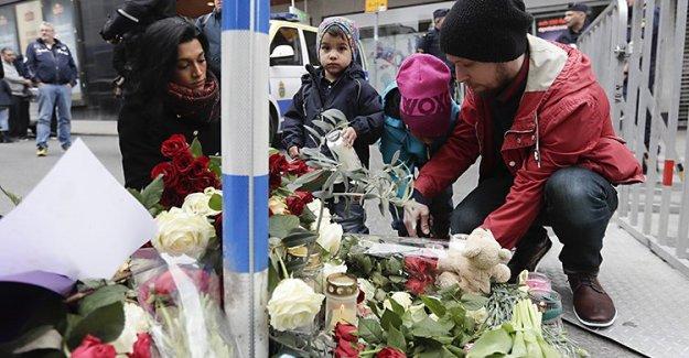 Stockholm'de kamyonlu terör saldırısının üzerinden 1 yıl geçti