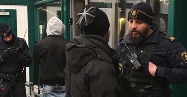 Stockholm metrolarında polis kimlik kontrolüne başladı