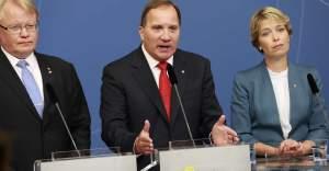 İsveç'te iki bakan istifa etti, bir bakan bıraktı...