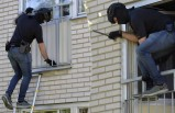 Uppsala'da iki kişi vuruldu polis her yeri didik didik arıyor