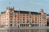 İsveç hükümet binasından silah çalan güvenlik görevlisi çıktı