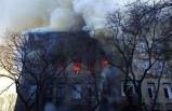 Okulda çıkan yangında 10 kişi öldü - Ülkede yas ilan edildi