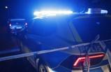 Södertälje'de bir kişinin kafasına bıçak saplayan kişiyi çevredekiler yakaladı