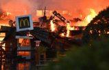 Stockholm'deki McDonalds, yangında yok oldu