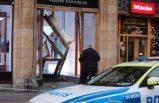 Stockholm'de hırsızlar lüks mağazaya arabayla daldı