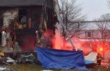 Uçak iniş sırasında eve çarptı!Oturma odasına girdi!