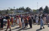 Binlerce sivilin akın ettiği Kabil Havalimanı'nda 5 kişi hayatını kaybetti