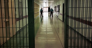 Avrupa'da cezaevleri doldu taştı!