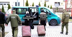 Eşine vize alamayan adam eşini valize koyup sınırdan geçmeye çalıştı
