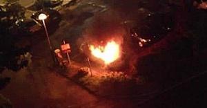 Göteborg'da araba bayisini ateşe verdiler
