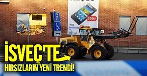 İsveç'te hırsızlar iş makinasıyla elektronik mağazasına daldılar