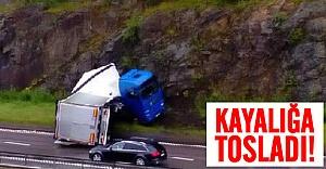 İsveç'te hız yapan kamyon kayalığa tosladı