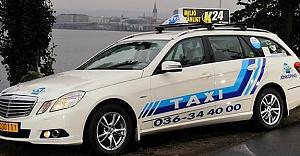 İsveç'te taksi şoförü param yok diyen kadına bakın ne yaptı?