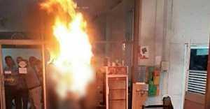 İsveçli kadın kendini ateşe verdi!