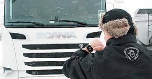 İsveçli Scania'dan yeni uygulama geliyor! TIR sürücülerinin koluna akıllı saat takacak