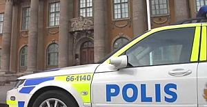 İsveç'te polis evine saldırı alarmı!