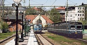 İsveç'te yük treni raydan çıktı yürekler ağza geldi