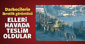 Köprüdeki FETÖ'cü askerler teslim oldu