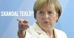 Merkel'den skandal mülteci önerisi!