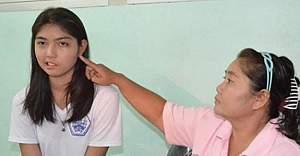 Öğretmenin fırlattığı bardak genç kızın hayatını kararttı